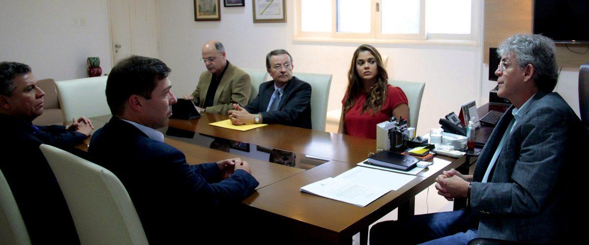 Ricardo recebe visita do presidente da Coteminas e reafirma incentivos à empresa