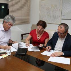 Governo da Paraíba atrai empresa Alpha Motion para gerar 100 empregos diretos no Conde
