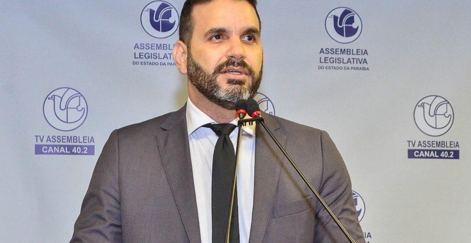 Comitiva do Governo do Estado prestigia criação da Frente Parlamentar Brasil (Paraíba) China na ALPB