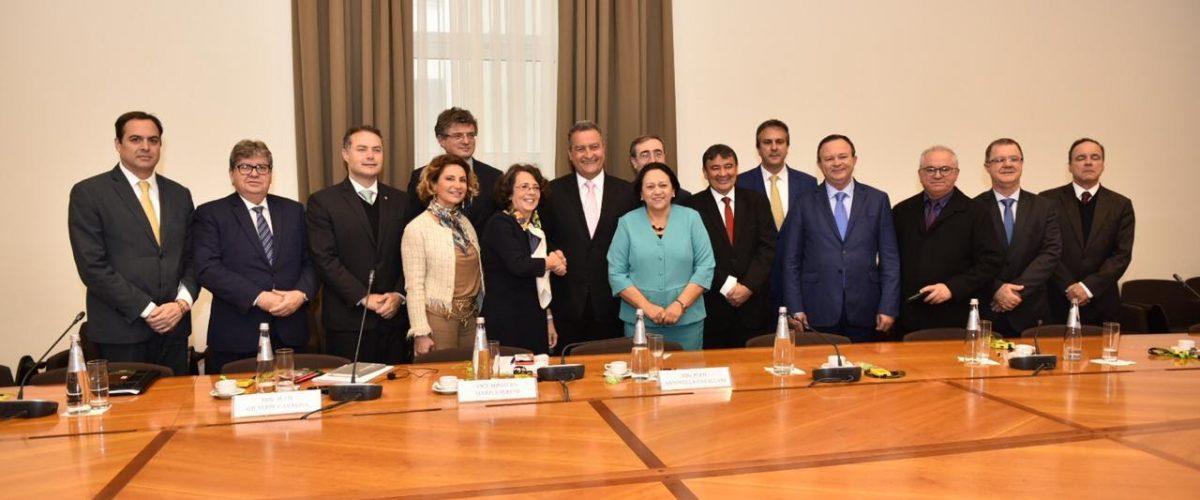 Governadores do Nordeste discutem infraestrutura e cooperação econômica com ministros italianos