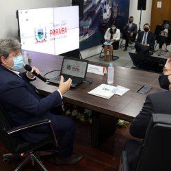João Azevêdo apresenta projetos de expansão do Porto de Cabedelo e de implantação do estaleiro de Lucena a embaixador e cônsul dos EUA