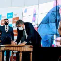 João Azevêdo assina contratos para construção de empreendimentos no Polo Turístico Cabo Branco e assegura investimentos de R$ 600 milhões